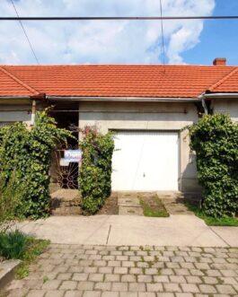 ELADÓ Füzesabonyban 2 szobás+ nappalis újszerű családi ház.
