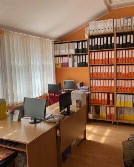 Eger frekventált részén, jelenleg irodaként működő 3+1 szobás ingatlan eladó! Eger, Heves megye