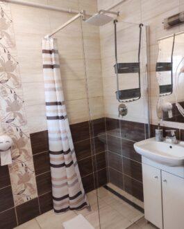 Egerszalókon bevezetett vendégkörrel apartman és családi ház eladó!