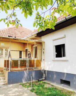 Pest megyében, Nagykáta központjában közelében 110 nm-es, 5 szobás családi ház eladó! Nagykáta, Pest megye