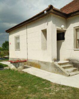 Eladó Átányban egy 80 nm-es, 3 szobás, fürdőszobás családi ház.
