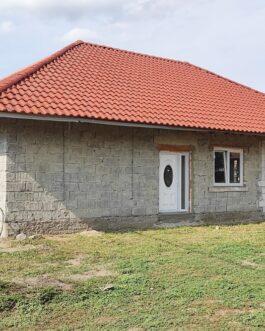 Poroszlón, a strand közelében 140 nm-es családi ház eladó! Poroszló, Heves megye.