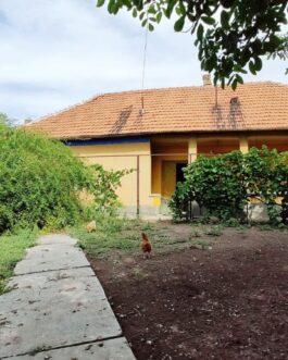 Mezőkövesden 2 szobás bővíthető családiház ELADÓ.