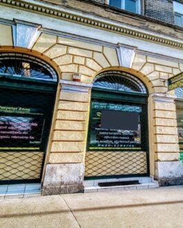 Budapesten a VIII. ker.ben Eladó egy 160m2 alapterületű, 2 szintes üzlethelység.